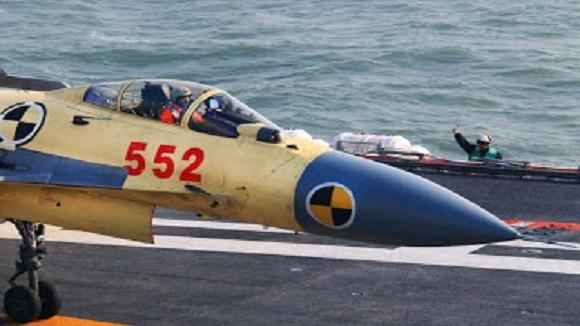 """Trung Quốc phát triển J-15S để """"tiếp dầu trên không""""? ảnh 2"""
