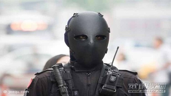 """Mặt nạ chống đạn kiểu """"ác quỷ"""" của đặc nhiệm Đài Loan ảnh 2"""