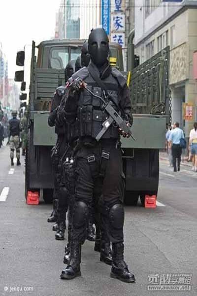 """Mặt nạ chống đạn kiểu """"ác quỷ"""" của đặc nhiệm Đài Loan ảnh 6"""