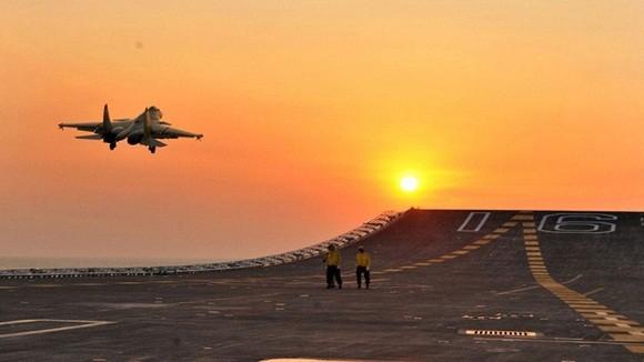 """LHA-6 America """"đè bẹp"""" tàu sân bay Nga, Trung, Ấn (2) ảnh 4"""