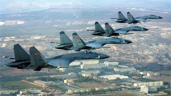 """Phi đội """"White Eagles"""" Nhật: """"Kẻ trấn áp"""" J-10, J-11 Trung Quốc ảnh 2"""