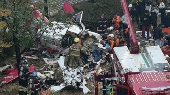 """Trực thăng Hàn Quốc """"chọc thủng"""" chung cư, 2 người thiệt mạng ảnh 1"""