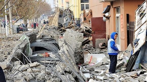 Hình ảnh vụ nổ như bị ném bom rải thảm ở Thanh Đảo - Trung Quốc ảnh 9