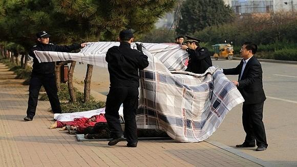 Hình ảnh vụ nổ như bị ném bom rải thảm ở Thanh Đảo - Trung Quốc ảnh 10