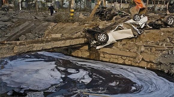 Hình ảnh vụ nổ như bị ném bom rải thảm ở Thanh Đảo - Trung Quốc ảnh 11