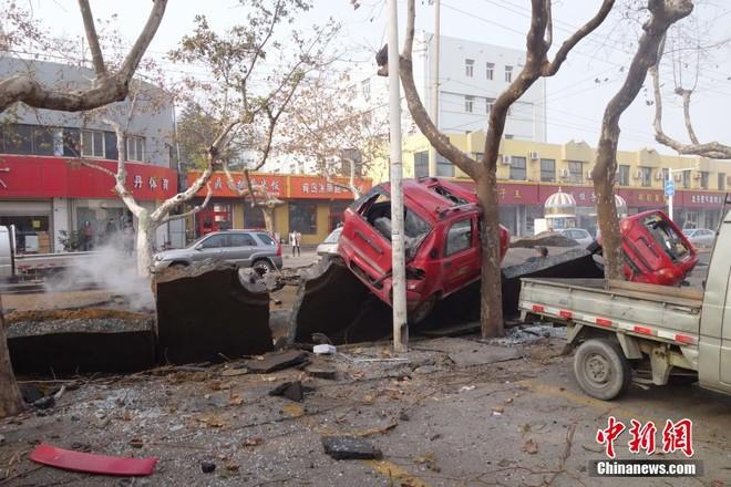 Nổ đường ống dẫn dầu Trung Quốc, 47 người chết, hàng trăm người bị thương ảnh 2
