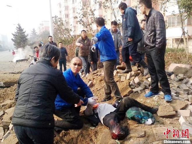 Nổ đường ống dẫn dầu Trung Quốc, 47 người chết, hàng trăm người bị thương ảnh 5