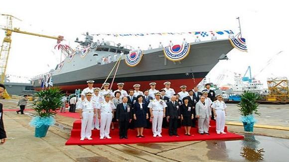 Tàu tuần tiễu tên lửa Hàn Quốc chưa ra biển... đã chìm ảnh 1