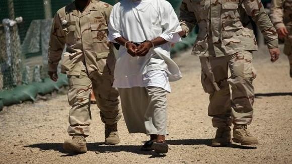 CIA biến tù nhân Guantanamo thành điệp viên hai mang ảnh 1