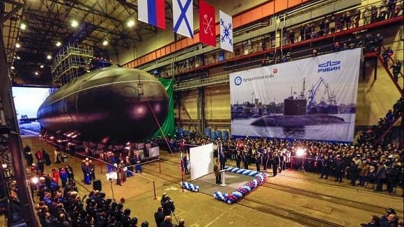 """Nga hạ thủy tàu ngầm """"hố đen"""" mạnh hơn Kilo ảnh 1"""