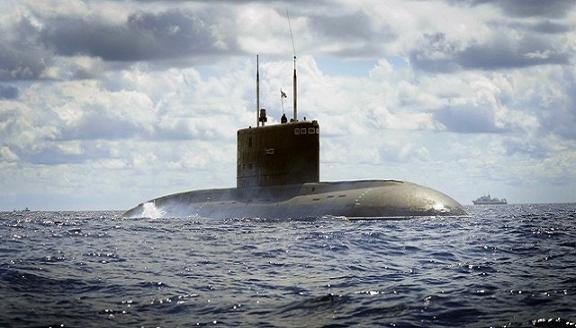 Ngày 3/1, tàu ngầm Kilo Hà Nội tung hoành trên biển Tổ quốc ảnh 1