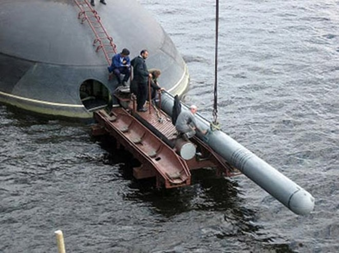 Ngày 3/1, tàu ngầm Kilo Hà Nội tung hoành trên biển Tổ quốc ảnh 3