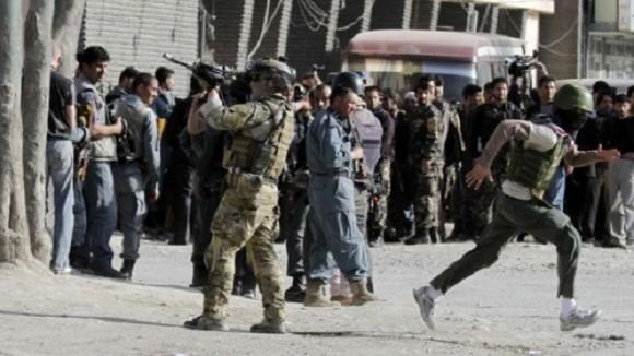 Căn cứ NATO ở Afghanistan bị tấn công, 7 binh sĩ thiệt mạng ảnh 1