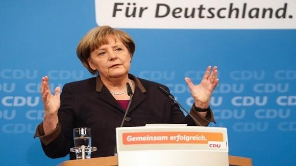 Thủ tướng Đức ngã rạn xương chậu khi trượt tuyết tại Thụy Sỹ ảnh 1
