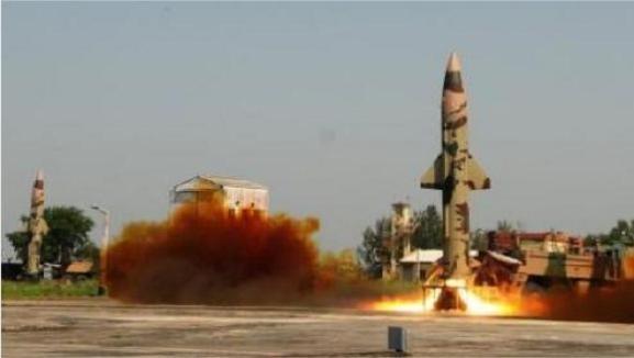 Ấn Độ liên tiếp thử thành công tên lửa đạn đạo Prithvi-II ảnh 1