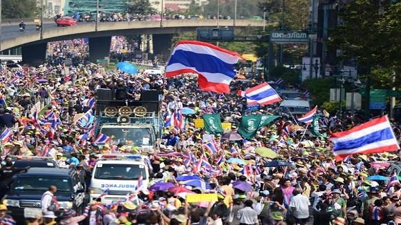 Thái Lan: Quân đội làm trung gian hòa giải? ảnh 1