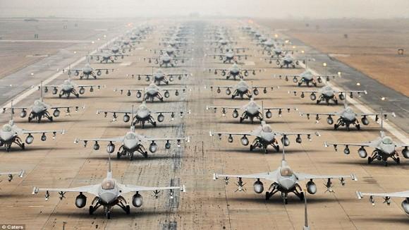 Mỹ điều thêm 12 tiêm kích F-16 và 300 nhân viên tới Hàn Quốc ảnh 1
