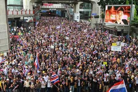 """Thái Lan: Bạo lực có thể bùng phát vì thủ đoạn """"ném đá giấu tay""""? ảnh 2"""