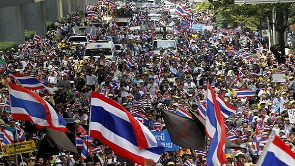 Lực lượng biểu tình Thái Lan ra tối hậu thư cho chính phủ ảnh 1