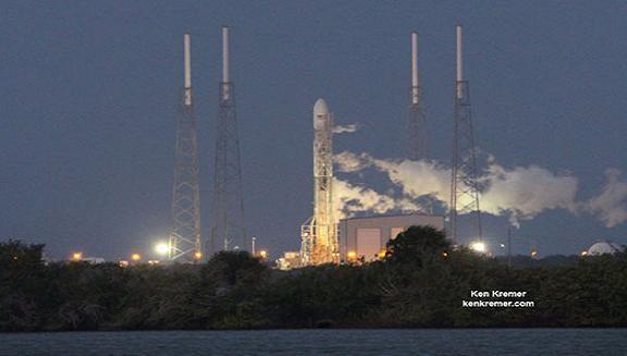 Mỹ phóng đồng loạt 3 tên lửa làm nhiệm vụ tuyệt mật ảnh 1
