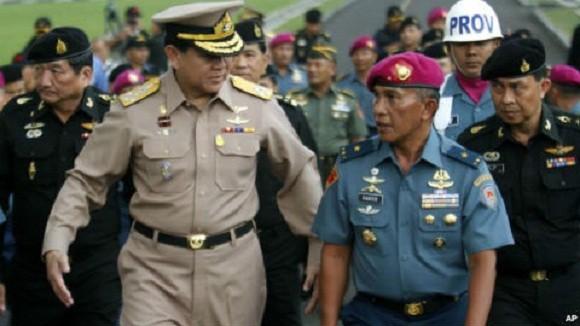 """Tư lệnh Quân đội Hoàng gia: """"Thái Lan như một con bệnh ung thư bất trị"""" ảnh 1"""
