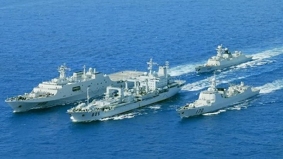 """3 tướng Nhật tuyên bố chiến hạm Trung Quốc chỉ làm """"bia ngắm bắn"""" ảnh 3"""
