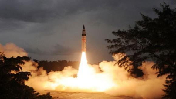 Ấn Độ thử thành công tên lửa đạn đạo Agni IV có thể uy hiếp Bắc Kinh ảnh 1
