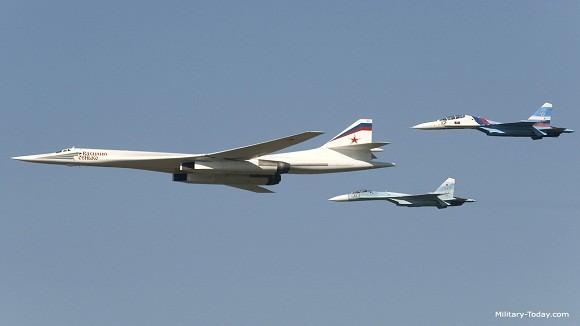 Uy lực khủng khiếp của máy bay ném bom và tên lửa hành trình Kh-101 Nga ảnh 1