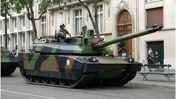 """Nga mang tăng """"phổ thông"""" T-72 đấu với các siêu tăng Top 10 thế giới? ảnh 12"""