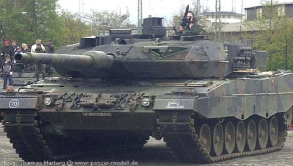 """Nga mang tăng """"phổ thông"""" T-72 đấu với các siêu tăng Top 10 thế giới? ảnh 5"""