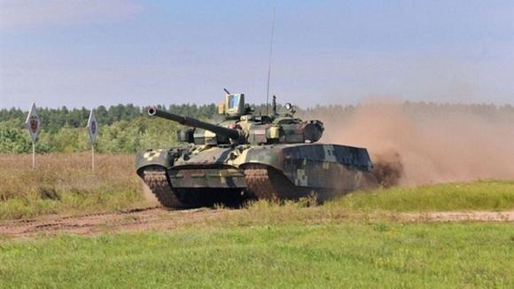 """Nga mang tăng """"phổ thông"""" T-72 đấu với các siêu tăng Top 10 thế giới? ảnh 13"""