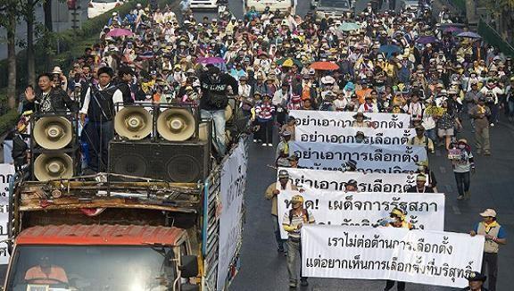 Thái Lan: Lực lượng biểu tình phá hoại bỏ phiếu sớm ở hàng chục tỉnh ảnh 1