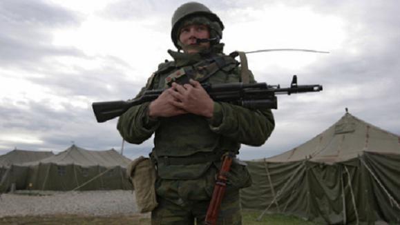 Binh lính Nga được bảo vệ bằng siêu mũ chống lựu đạn ảnh 2