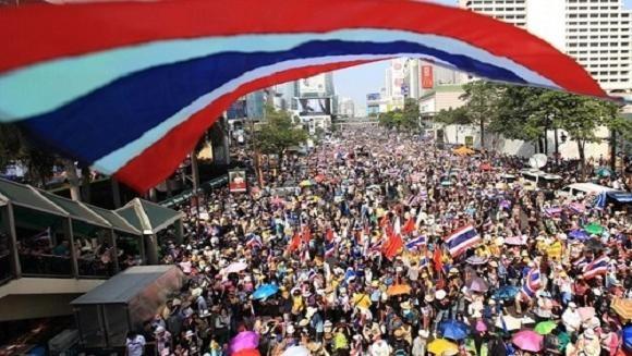 Thái Lan: Xả súng, ném lựu đạn làm 44 người biểu tình thương vong ảnh 1