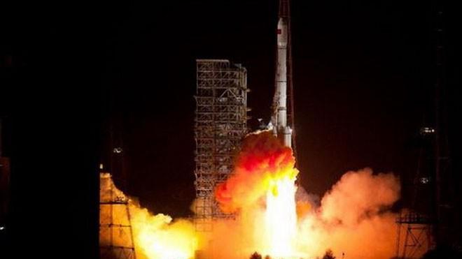 Trung Quốc phóng chùm 24 vệ tinh giám sát tên lửa đạn đạo? ảnh 1