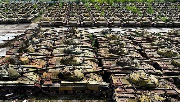 """Kiev lập """"Ban chống khủng hoảng"""", tổng động viên vũ khí, trang bị ảnh 1"""