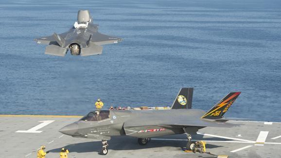 Siêu tiêm kích F-35C chuẩn bị thử nghiệm trên tàu sân bay ảnh 2