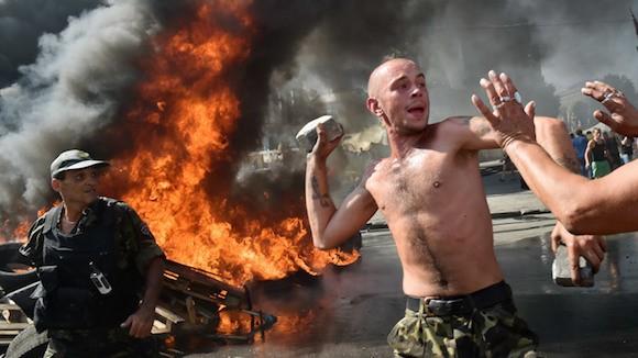 Ukraine đưa xe tăng và vũ khí hạng nặng vào thủ đô Kiev làm gì? ảnh 2