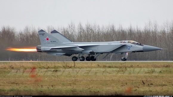 Siêu máy bay đánh chặn MiG-31 chưa thể vắng bóng trong quân đội Nga ảnh 1