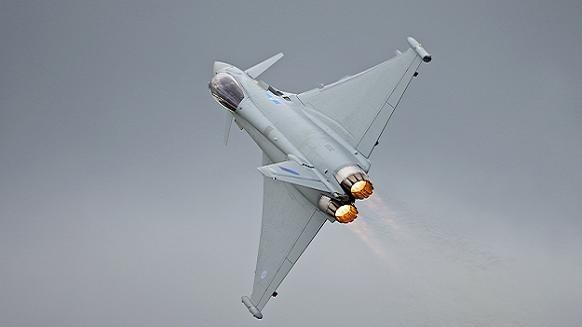 Không đủ tiền mua Rafale, Ấn Độ quay sang mua 126 Typhoon của Đức? ảnh 1