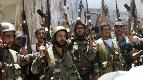 """Mỹ-NATO ném bom IS, Syria """"tranh thủ"""" giải phóng 2 thành phố chiến lược ảnh 3"""