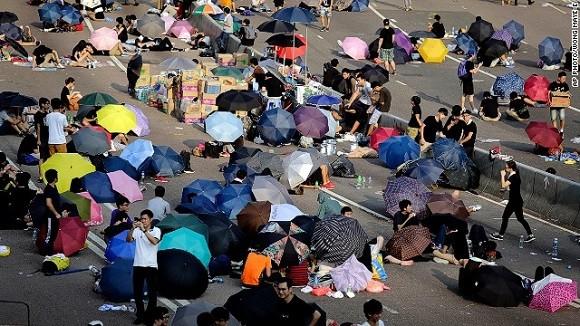 56 người bị thương, 89 người bị bắt trong cuộc biểu tình tại Hong Kong ảnh 1
