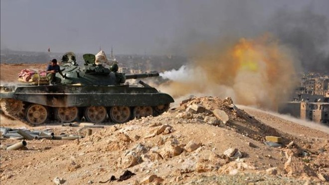 UAV Nga dẫn hướng SAA tấn công các phòng tuyến của phiến quân ở Idlib ảnh 1