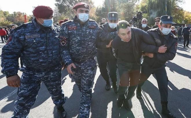 Thủ tướng Armenia phát biểu gì sau khi phe đối lập yêu cầu ông từ chức ảnh 3