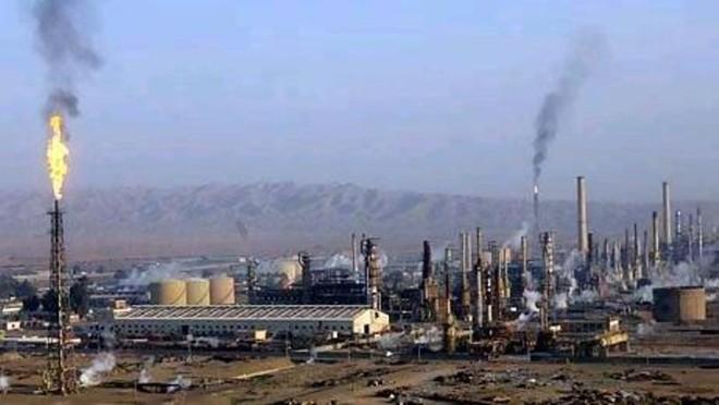 Phiến quân IS tấn công nhà máy lọc dầu ở Iraq ảnh 1