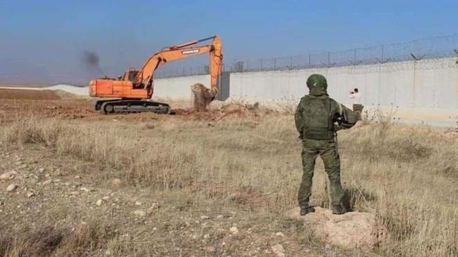 Vì sao quân đội Nga chặn đường các đoàn xe Thổ Nhĩ Kỳ tiến vào Syria? ảnh 1