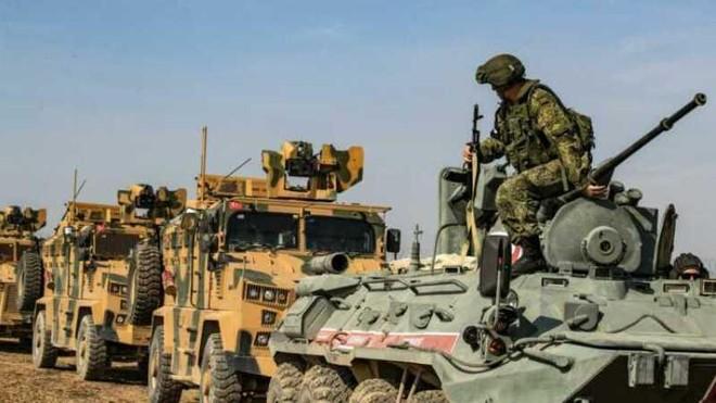 SDF: Thổ Nhĩ Kỳ đang tăng cường tấn công thị trấn chiến lược ở Bắc Syria ảnh 1