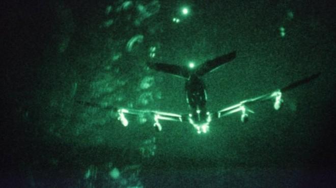 Flightradar 24: Máy bay quân sự Mỹ xâm phạm không phận Iran ảnh 1