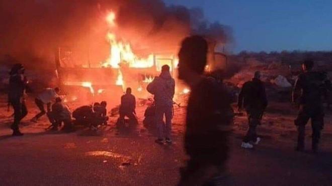 IS lại tấn công đẫm máu, 9 binh sĩ SAA thiệt mạng ảnh 1