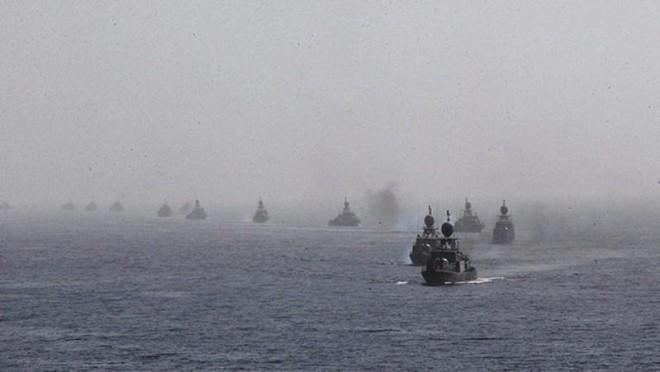 Iran tập trận phô trương sức mạnh hải quân ảnh 1